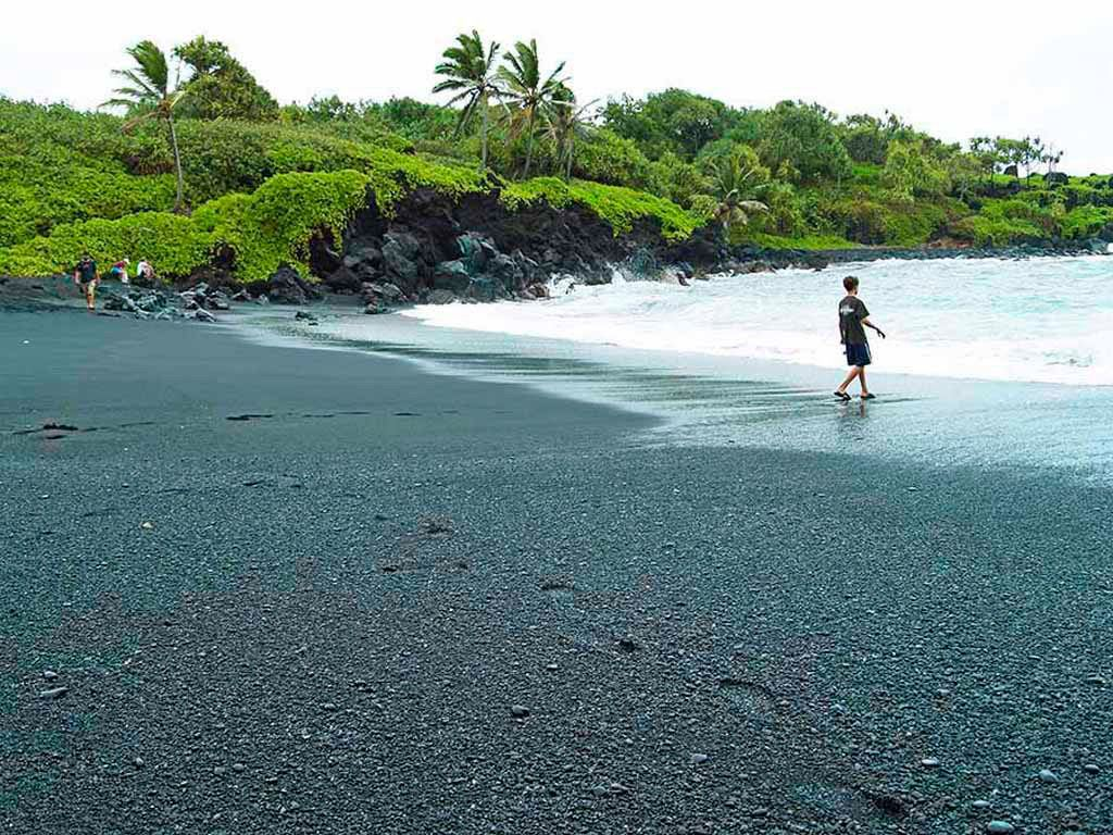 Hanas Black Sand Beach